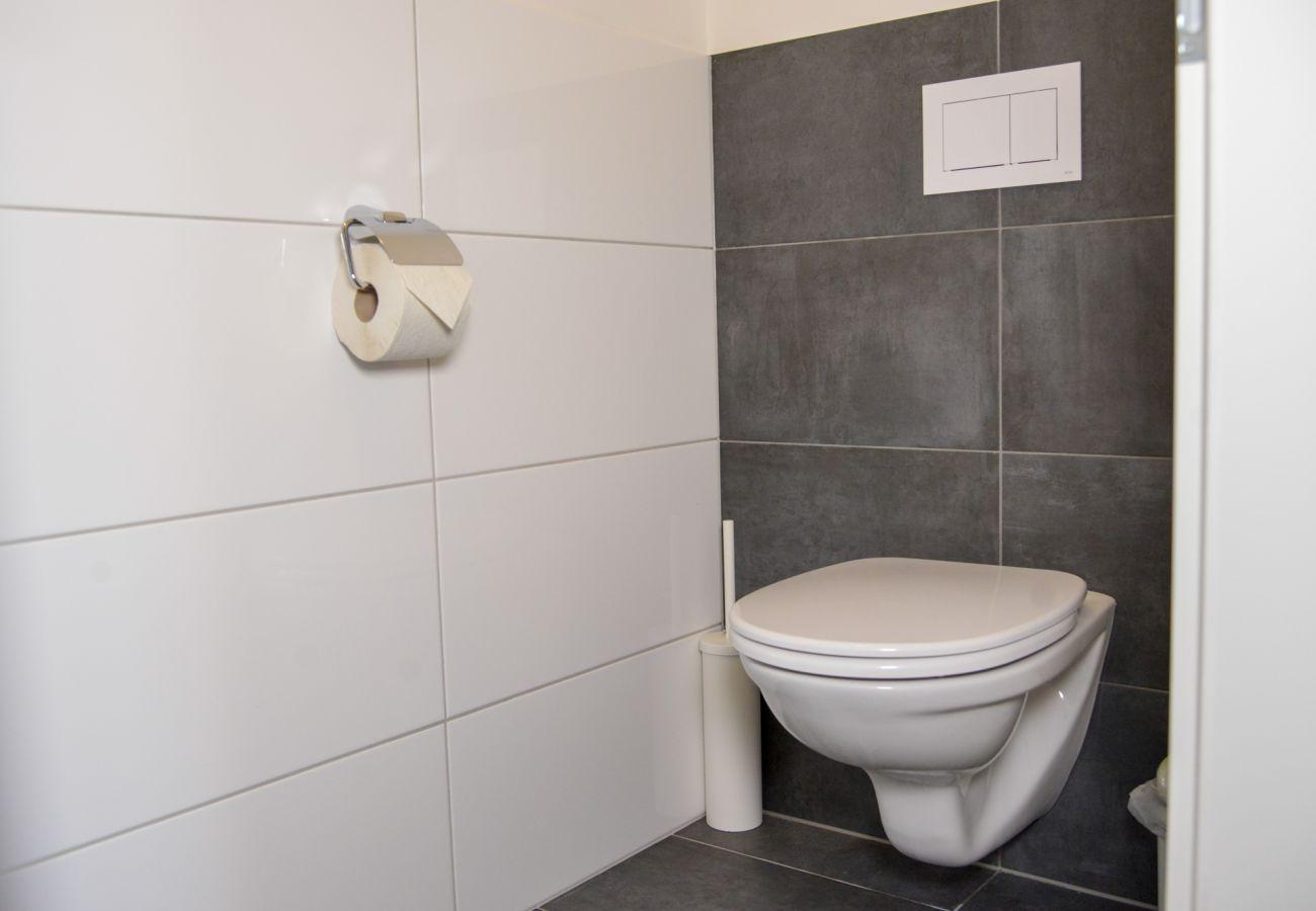 separates WC in der Ferienwohnung Grimming Lodge Goldrute in Tauplitz